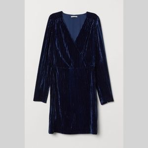{H&M} Blue Crushed Velvet Long Sleeve Dress